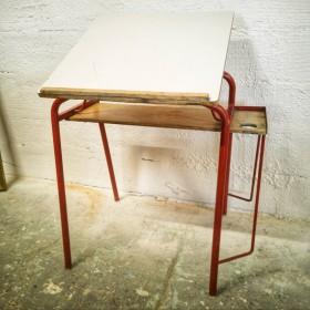 Petite table à dessin