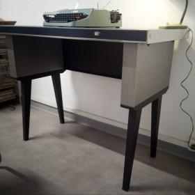 Petit bureau vintage...