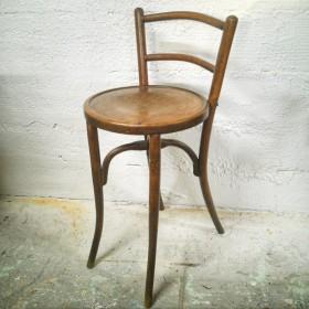 Chaise haute en bois courbé...