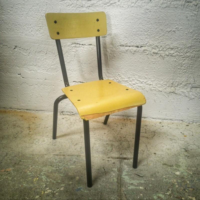 Petite chaise d'écolier vintage