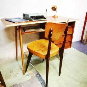 Bureau vintage design...