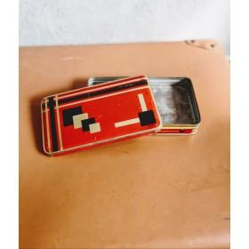 Petite boîte motif vintage