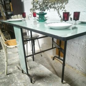Table pliante en Formica