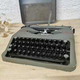 Machine à écrire Hermès...
