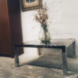 Table vintage aux pieds compas