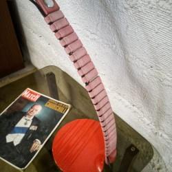 Chevet vintage aux pieds compas
