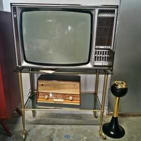 Meuble télé vintage doré et...