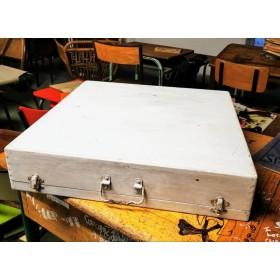 Ancienne boîte de peintre